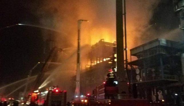 中石油大连石化分公司发生火灾 火情已得到有效控制