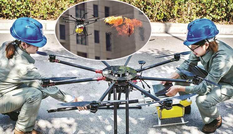 操纵无人机 喷火除险情!武汉有支女子无人机飞行队
