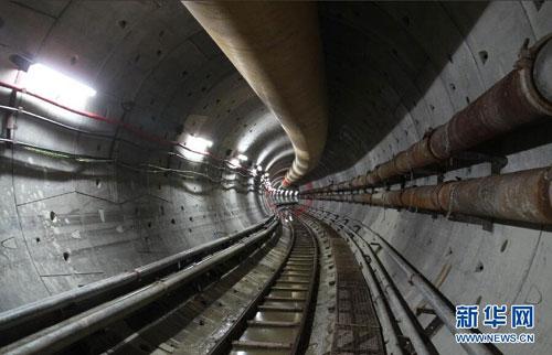 隧道的内部结构