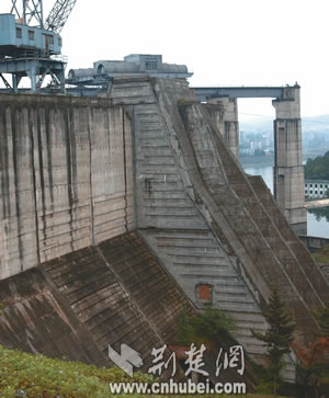 dam investigation importance Geotechnical investigations are performed by geotechnical engineers or engineering geologists to obtain information on the physical properties of soil and rock around.