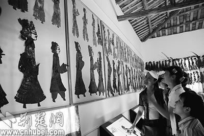 《樊梨花阵前收义子》,《西游记》,《八仙过海》等传统皮影剧目,妙趣