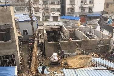 襄州区张湾办事处红星村一村民违建