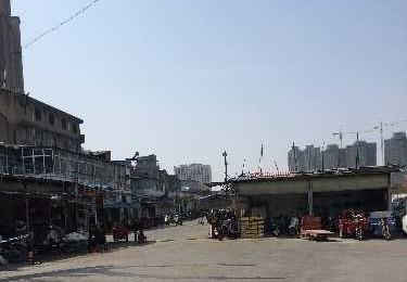 网曝襄阳市樊城区美满社区明玉摩配城违建