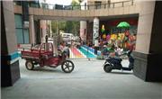 洪山区三家幼儿园扩充操场,占用消防通道