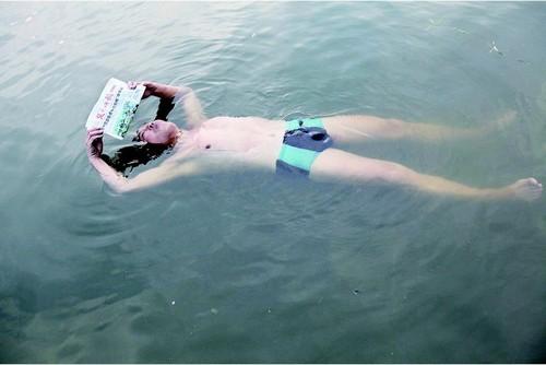 报纸制作海洋动物