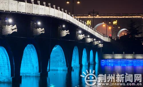 你在九龙桥上看风景,看风景的人在荆州城门看你