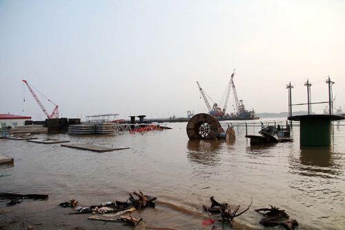 黄冈拆除码头142个 重拳清理还母亲河干净江滩