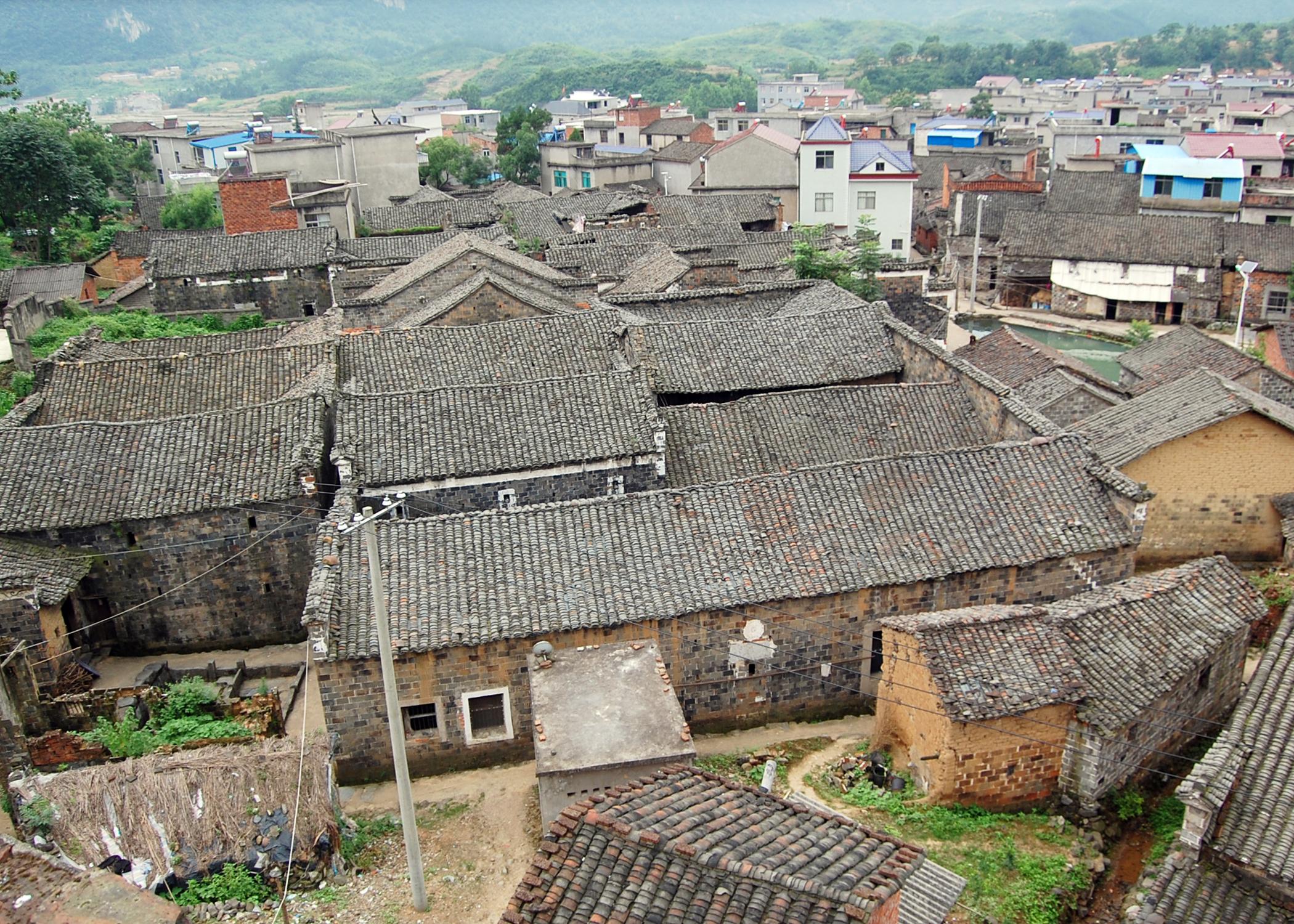 别墅村落--阳新县浮屠镇玉堍村仿古传统小岛建筑图片