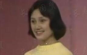 袁泉18岁青涩旧照曝光