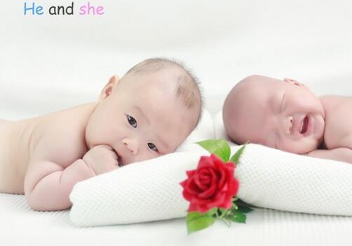 """11天大男婴做""""剖腹产"""" 肚中藏""""双胞胎弟弟"""""""