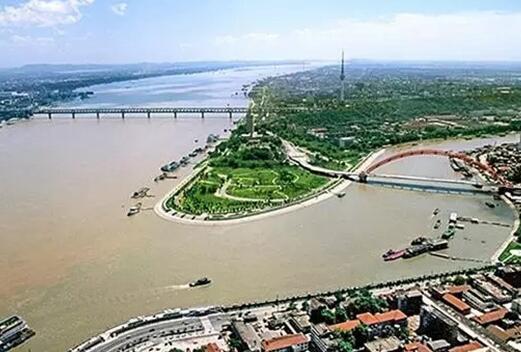 代表委员聚焦长江经济带大保护:湖北1230条河流都将有河长