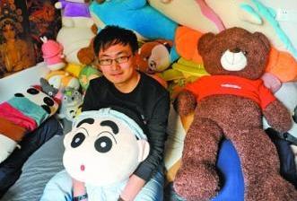 武汉神人9个月夹3000娃娃 老板盯梢求放过