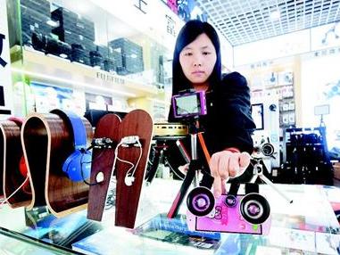 网红经济带动武汉直播装备热销 差价达数十倍
