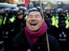韩国举行反对朴槿惠游行