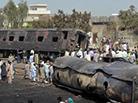 火车与油罐车相撞