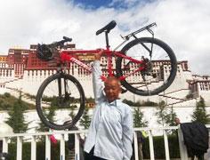 65岁老头骑行33天到拉萨