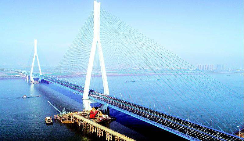 沌口长江大桥12月底通车