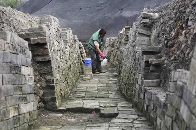 成都现堙藏千年古寺