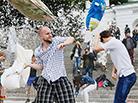 乌克兰举行枕头大战