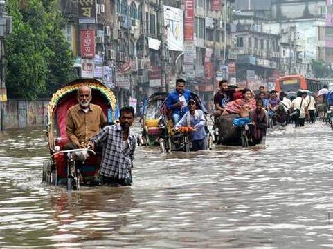 孟加拉国首都严重内涝