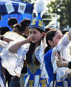 武汉高校办少数民族文化交流节