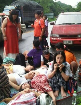 11名中国游客在泰国遇交通事故受伤