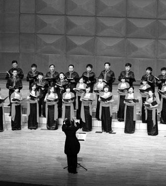 """下设""""节日·橄榄树""""男声演唱组,""""节日·紫藤花"""",""""节日·百合花""""女声演"""