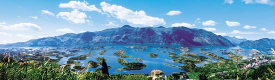 目前正在争创国家4a级景区.   仙岛湖是一块神奇的土地.