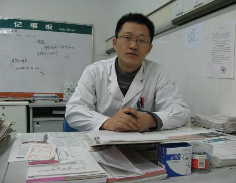 医生靳军华:大爱是无声的答辩 人品是无上的文凭